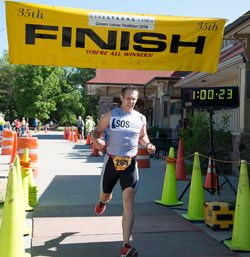 Bill Houser finishes First in Green Lakes Triathlon